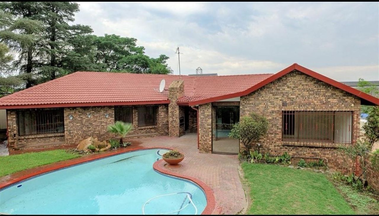 3 Bedroom House For Sale in Ferndale | Acutts Estate Agents