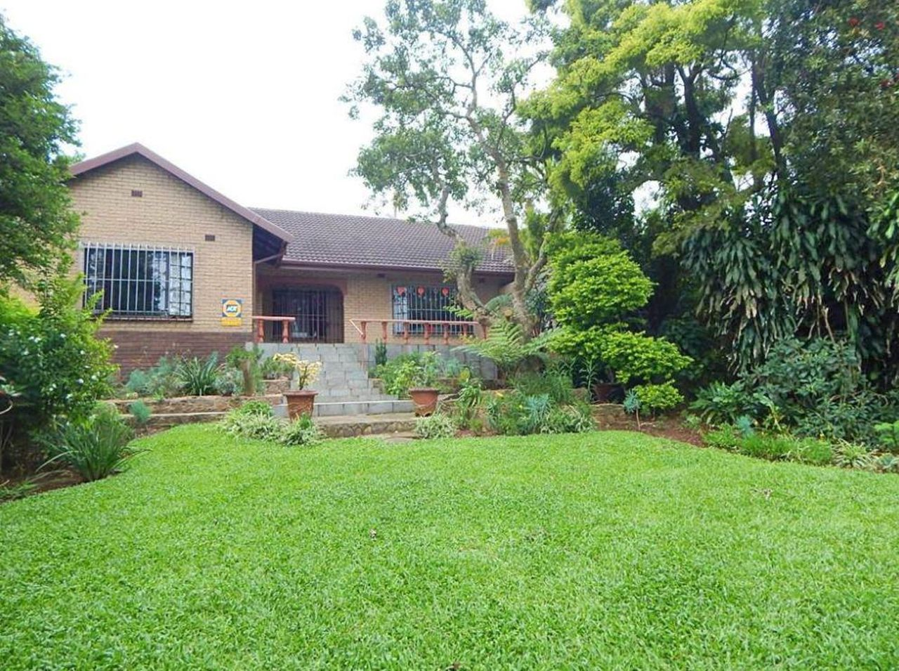 4 Bedroom Townhouse For Sale in Kloof | Acutts Estate Agents