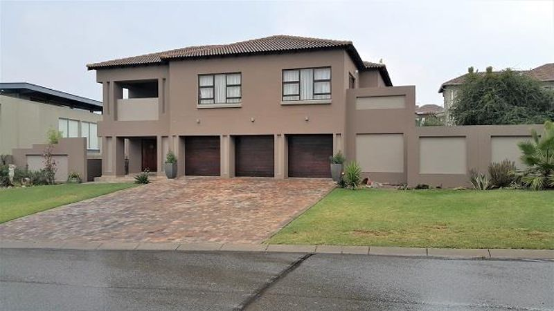 Awe Inspiring 11 Properties And Homes For Sale In Midrand Gauteng Home Interior And Landscaping Oversignezvosmurscom